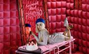 Tải nhạc trực tuyến Sweet But Psycho Mp4